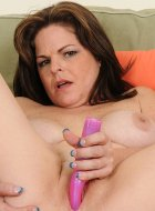 Marie Michaels Toys Older Pussy While Licking Tits